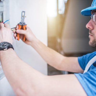 Fachkraft für Elektrosicherheit